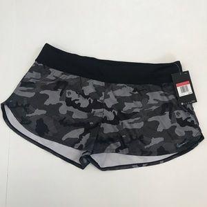 Nike Camo Fitness Shorts Size Large